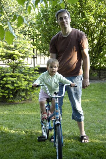 pazzo: emma biciklizik