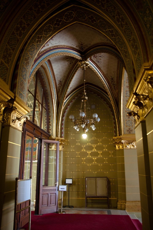 ...és egy másik folyosó balra