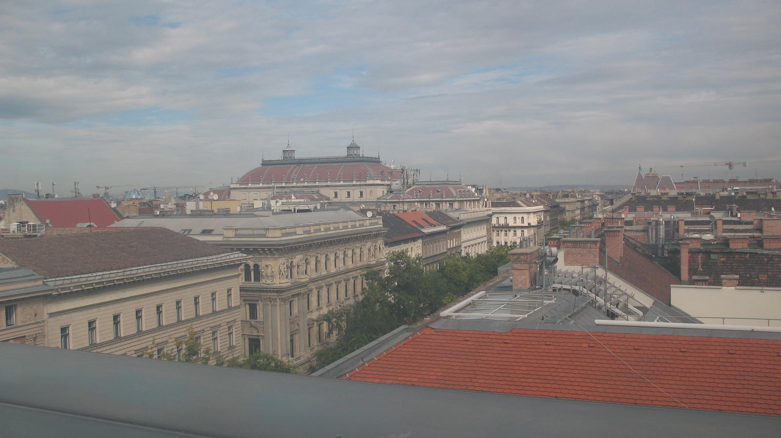 Kilátás az opera tetejére