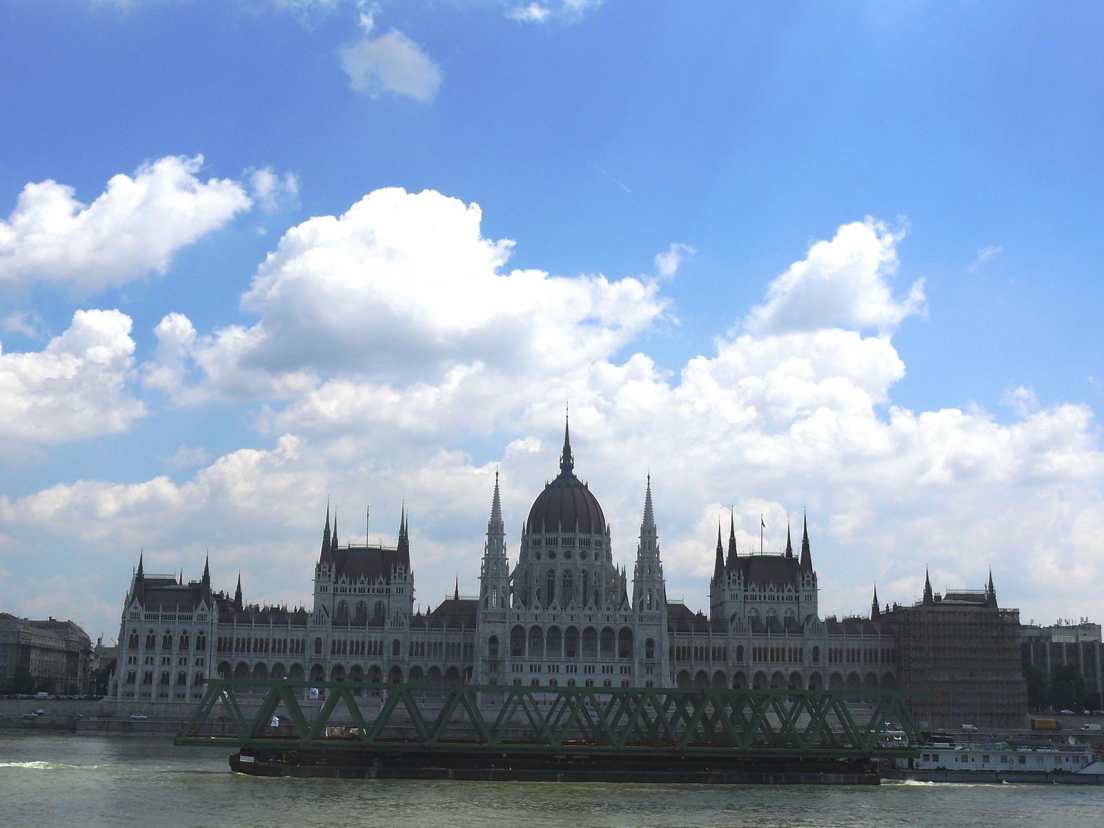 Parlament + hajó