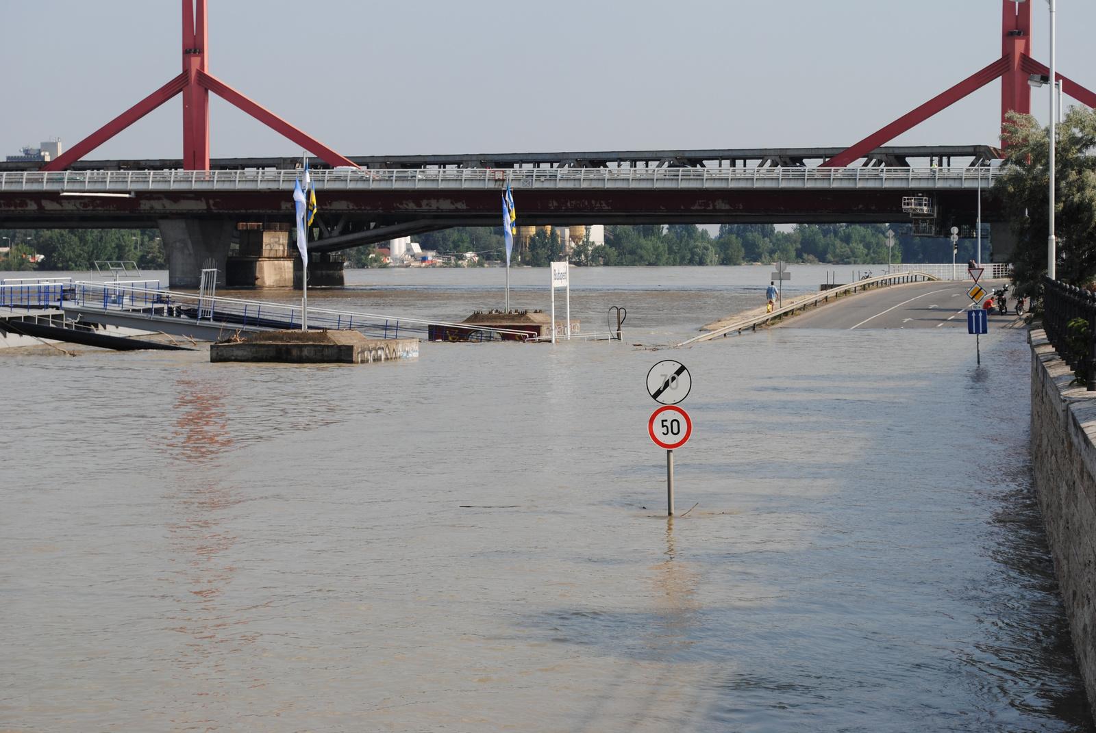 Lágymányosi híd - alsó rakpart