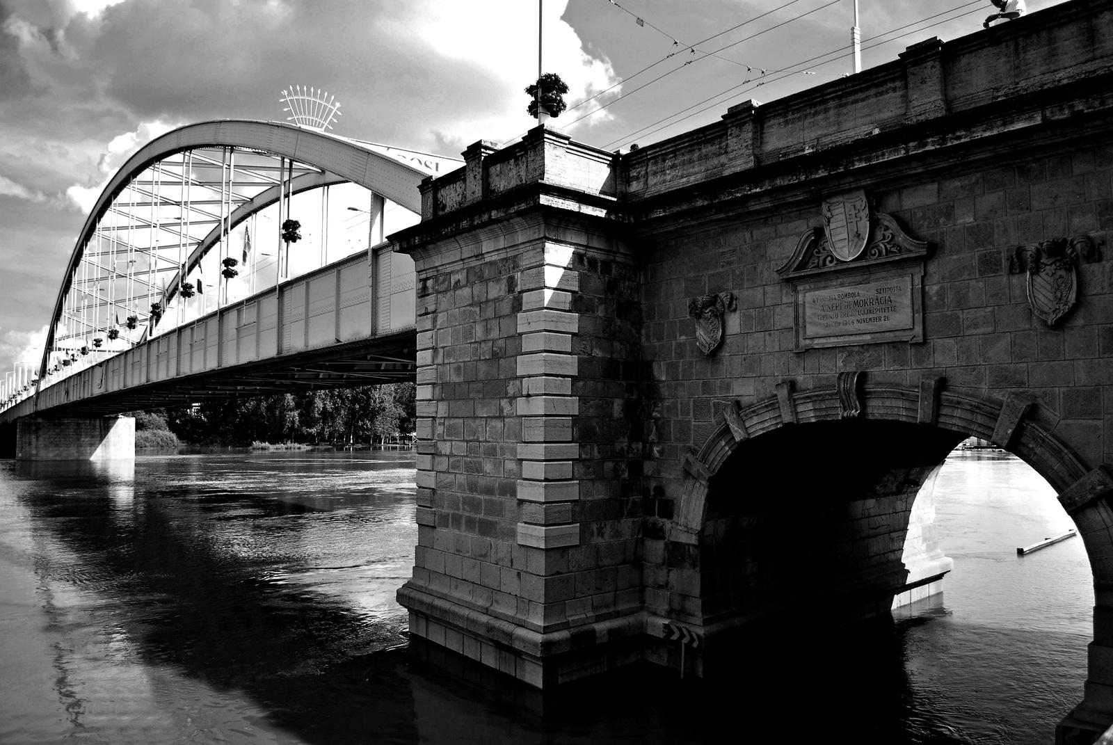 Híd 3